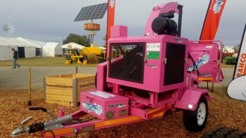 TOMCAT Wood Chipper Model 250 AFE - CANSA Pink Lady (2)