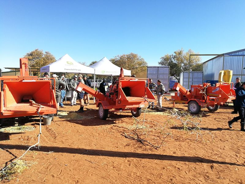 TOMCAT Chippers at the annual Kalkfeld farmers day with JDE Agri in Namibia (2)